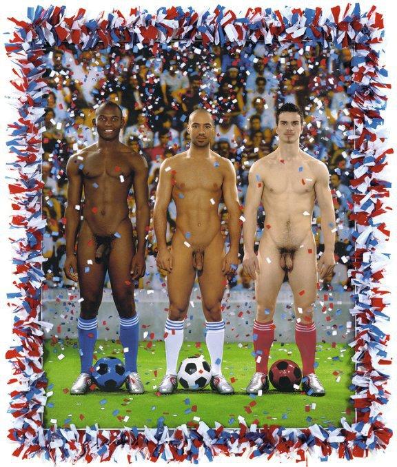 звёзды футбола парни на фото голыми